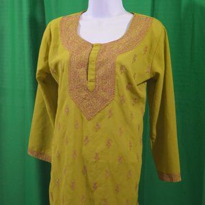 Tops - Green Women's Tunic with Brown Filigree
